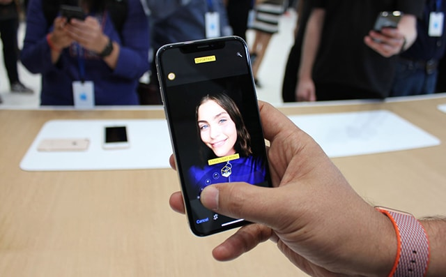 iPhone X Hoàn Toàn Nổi Trội