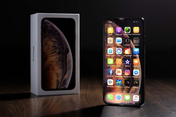Màn hình iPhone Xs Max