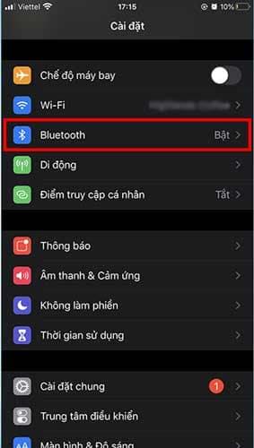 Sử dụng iPhone của bạn và truy cập vào Cài đặt chọn Bluetooth