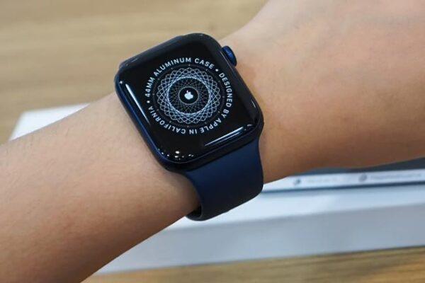 Tắt màu sắc trên apple watch